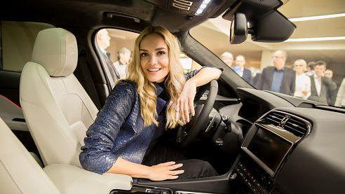 Taťána Kuchařová se zúčastnila otevření nového centra Jaguar Land Rover v Ostravě