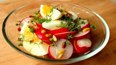 Jaké sezónní jídlo si dopřát na jaře či v nadcházejícím létě? Postupy, recepty...a jaké to má výhody?