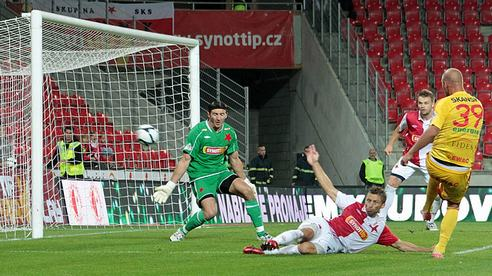 Malé pražské derby mezi Slavií a Duklou skončilo bez branek