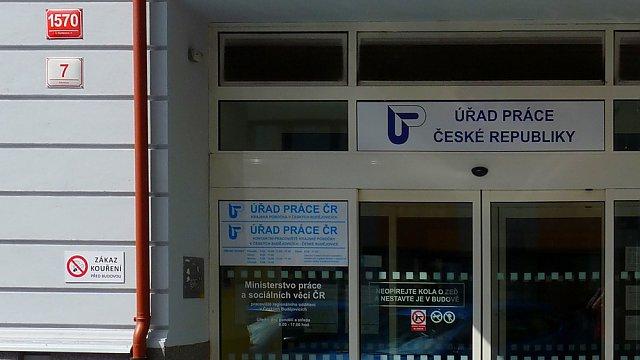 2,8%! Rekordní nezaměstnanost v Česku přináší i negativní dopady