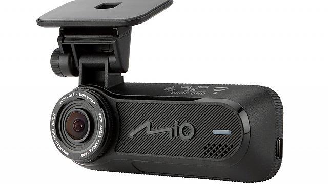 Mio MiVue J85 WIFI je oblíbená nenápadná autokamerka  bez displeje a se super záznamem 2.5K QHD